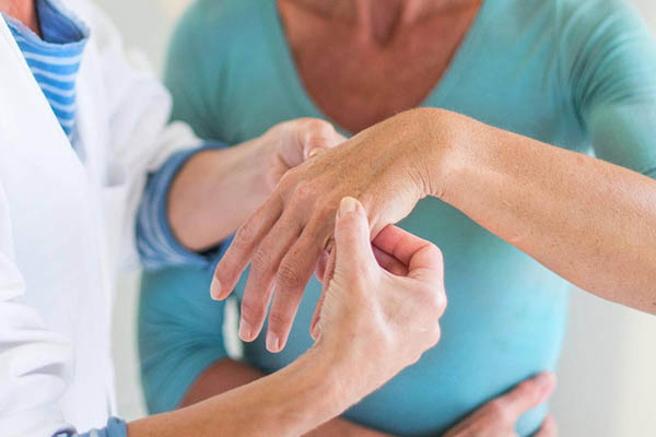 arthritis specialist in Delhi